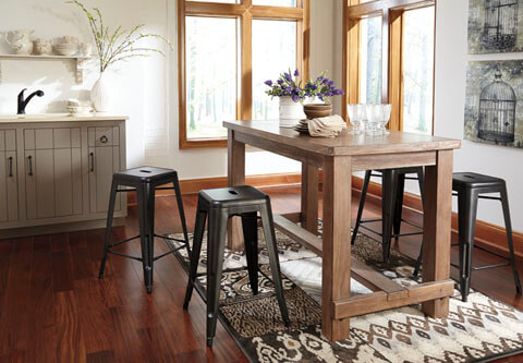 Pinnadel_Counter_Height_Table_With_ Bar_Stools